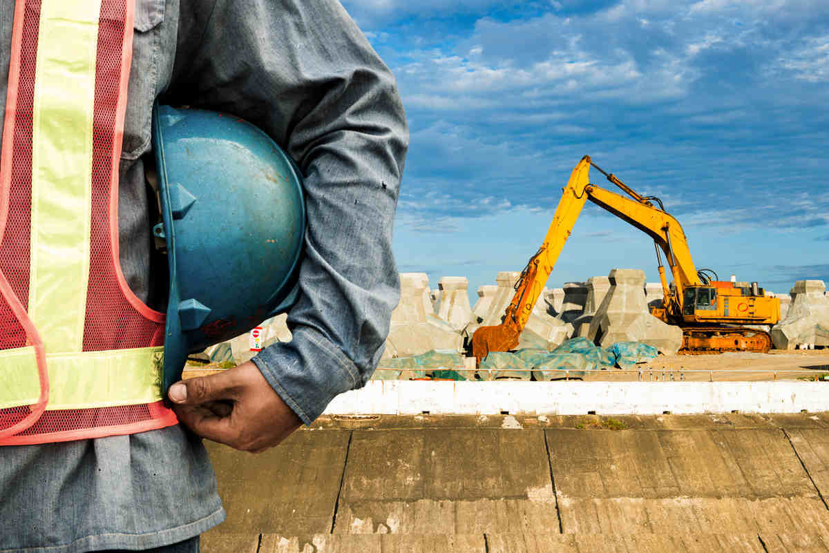 Getting help with a complicated construction work accident for House under construction insurance