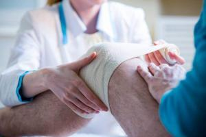 St. Louis knee injury