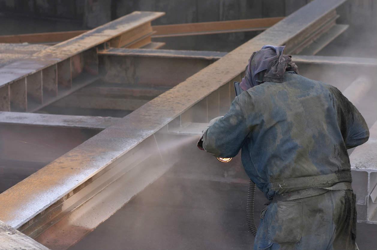 St. Louis worker sandblasting