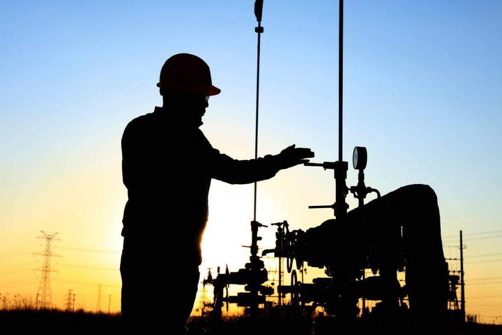 missouri oil field worker