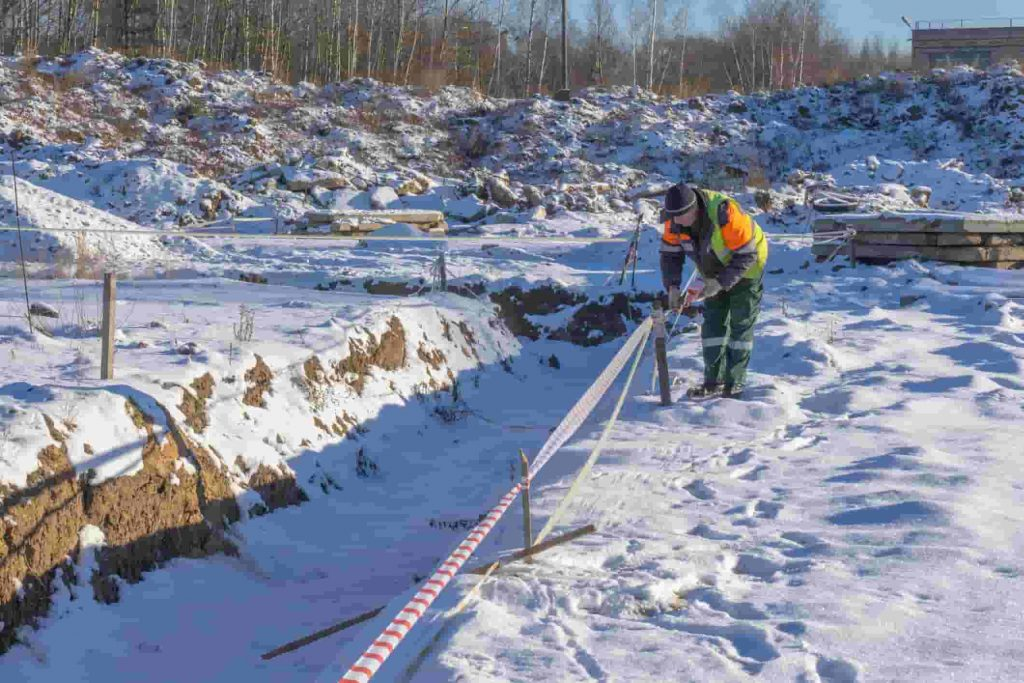 missouri trench workers in the cold