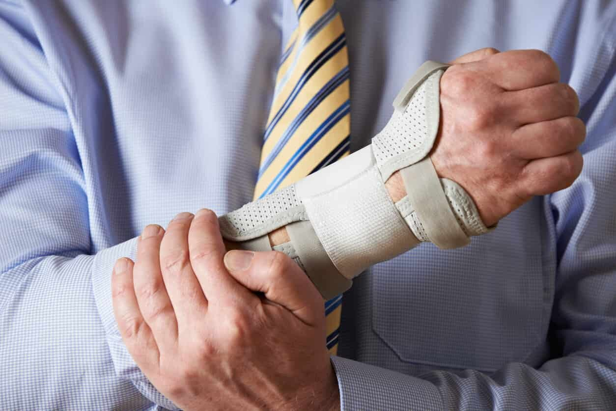 carpal tunnel injuries at work