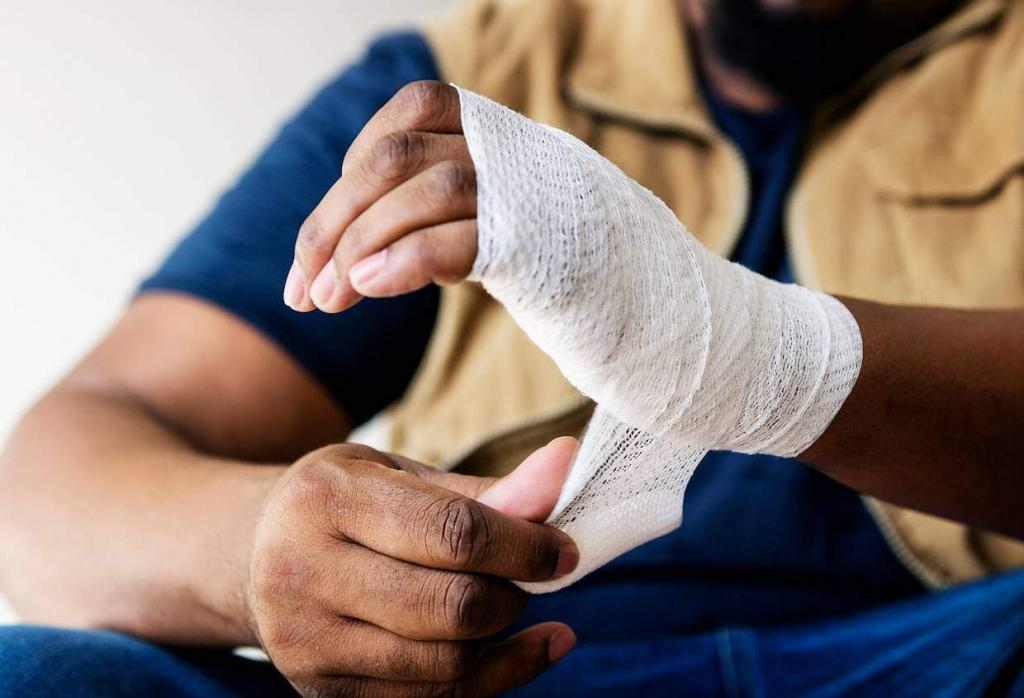 a st. louis worker's hand injury