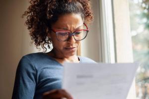 missouri widow looking at a bill